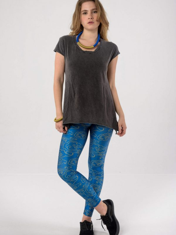 Heartbeatink Deep Blue Gold Clouds Leggings / Libertee Debbie t-shirt